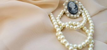 Role of Customer Service in Selling Pearl Jewelry